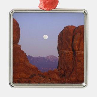USA, Utah, Arches NP, Full Moon Rising at Metal Ornament