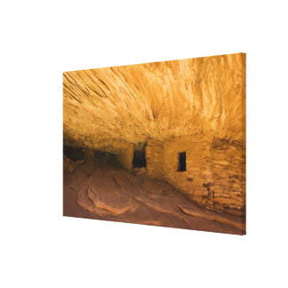 USA, Utah, Cedar Mesa, Mule Canyon. Sandstone Canvas Print