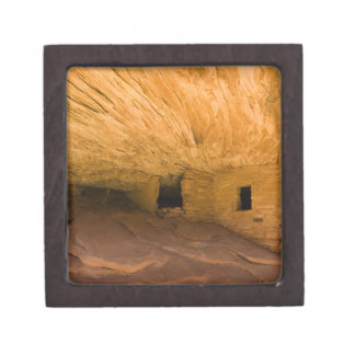 USA, Utah, Cedar Mesa, Mule Canyon. Sandstone Keepsake Box