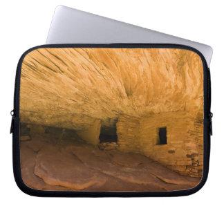 USA, Utah, Cedar Mesa, Mule Canyon. Sandstone Laptop Sleeve