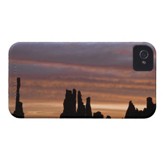 USA, Utah, Monument Valley National Park. 2 iPhone 4 Case-Mate Case