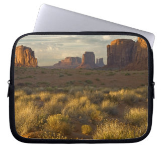 USA, Utah, Monument Valley National Park. Laptop Sleeve