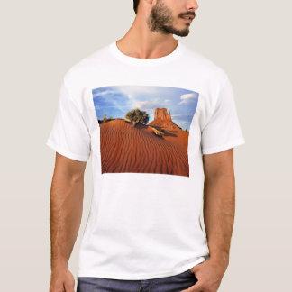 USA, Utah, Monument Valley. Wind creates T-Shirt