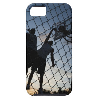 USA, Utah, Salt Lake City, two young men playing 2 iPhone SE/5/5s Case