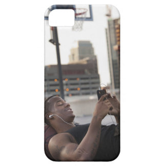 USA, Utah, Salt Lake City, Young man lying on iPhone SE/5/5s Case