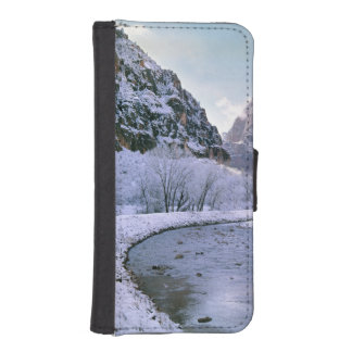 USA, Utah, Zion NP. New snow covers the canyon iPhone 5 Wallet