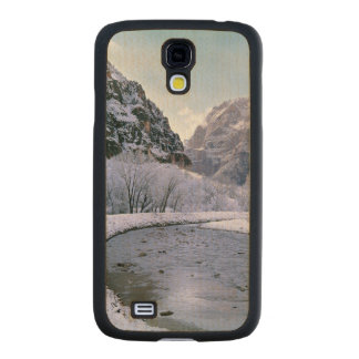 USA, Utah, Zion NP. New snow covers the canyon Carved® Maple Galaxy S4 Slim Case