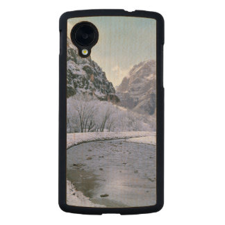 USA, Utah, Zion NP. New snow covers the canyon Carved® Maple Nexus 5 Slim Case