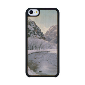 USA, Utah, Zion NP. New snow covers the canyon Carved® Maple iPhone 5C Case