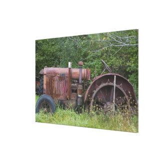 USA, Vermont, MANCHESTER: Antique Farm Tractor Canvas Print