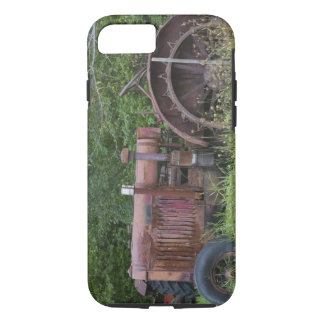 USA, Vermont, MANCHESTER: Antique Farm Tractor iPhone 7 Case
