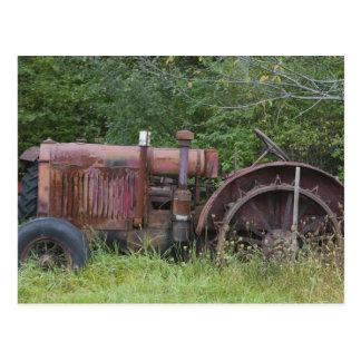 USA, Vermont, MANCHESTER: Antique Farm Tractor Postcard