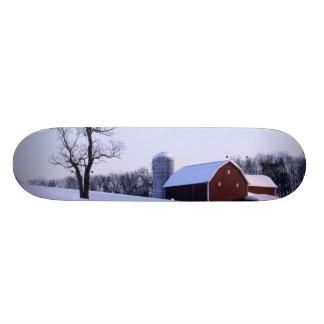 USA, Virginia, Shenandoah Valley, Barn Skateboard