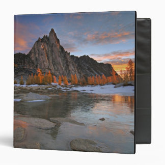 USA, Washington, Cascade Mountains. Prusik Binder