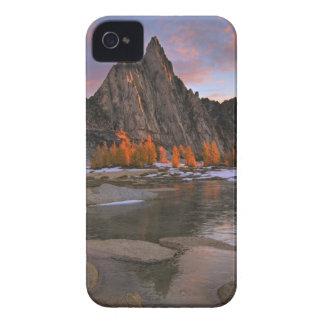 USA, Washington, Cascade Mountains.  Prusik Peak iPhone 4 Case