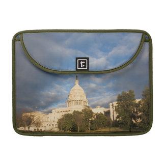 USA, Washington DC, Capitol building MacBook Pro Sleeve