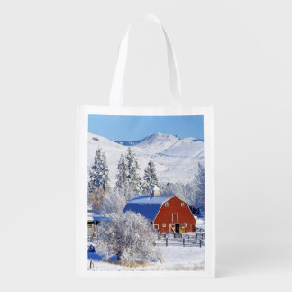 USA, Washington, Methow Valley, Barns in Reusable Grocery Bag