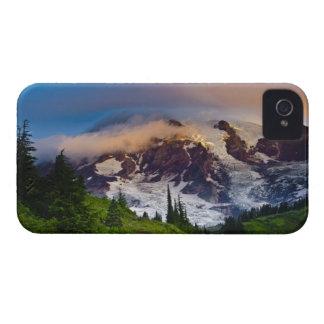 USA, Washington, Mt. Rainier. Morning sun Case-Mate iPhone 4 Case