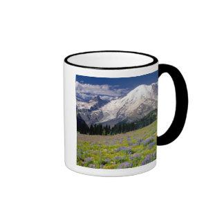 USA, Washington, Mt. Rainier National Park. Coffee Mugs