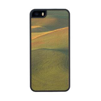 USA, Washington, Palouse, Whitman County Carved® Maple iPhone 5 Case