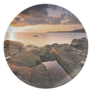 USA, Washington, San Juan Islands.  A dramatic 2 Melamine Plate