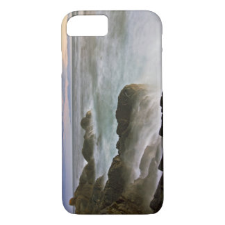 USA, Washington, San Juan Islands.  Waves crash iPhone 8/7 Case