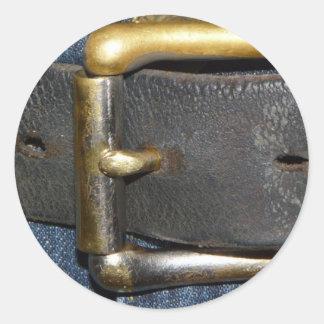 Usadas correa de cuero y hebilla pegatinas redondas