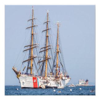 USCG Eagle entra en el puerto de Rockland Arte Con Fotos
