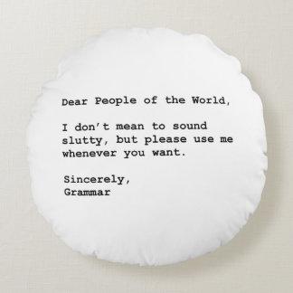 Use Grammar Round Pillow
