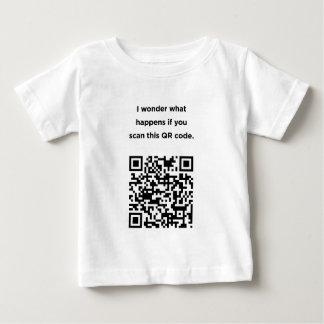 Useless QR Code: I Wonder... Infant T-shirt