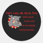 USMC él me llama perro de diablo Etiqueta Redonda