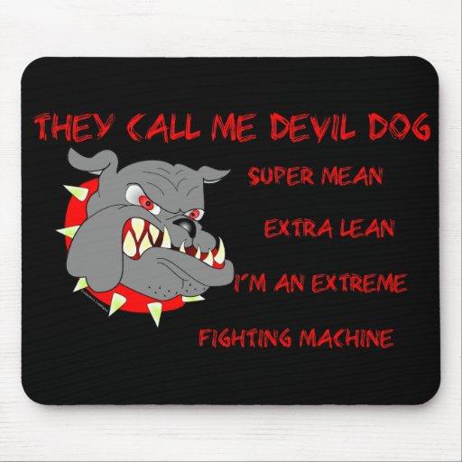 USMC él me llama perro de diablo Tapete De Ratones