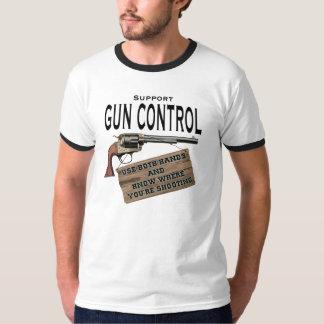 Uso del control de armas camisa de ambas manos