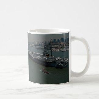 "USS John F. Kennedy"", entering New York's Hudson R Coffee Mug"