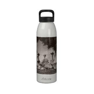 USS Virginia Occidental en el Pearl Harbor Botellas De Beber