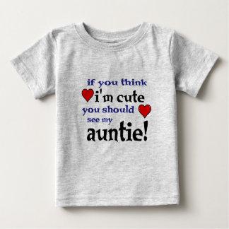 Usted debe ver a mi tía amar las camisetas del