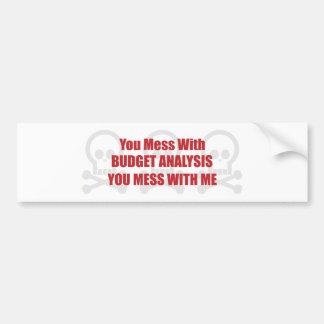 Usted ensucia con análisis del presupuesto que ust etiqueta de parachoque