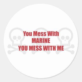 Usted ensucia con el infante de marina que usted pegatina redonda