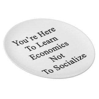 Usted está aquí aprender la economía para no socia platos para fiestas