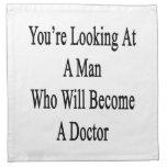 Usted está mirando a un hombre que haga doctor servilleta imprimida