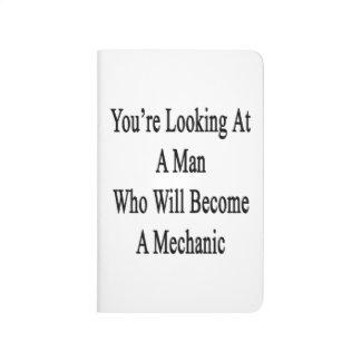 Usted está mirando a un hombre que haga mecánico cuadernos grapados