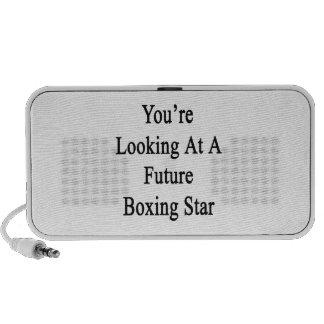 Usted está mirando una estrella futura del boxeo altavoces de viaje