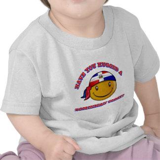 ¿Usted ha abrazado a un Dominican hoy? Camisetas