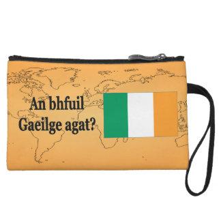 ¿Usted habla irlandés? en irlandés. FB de la