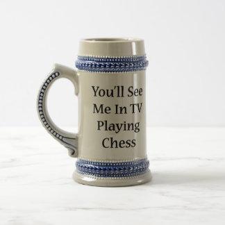 Usted me verá en la TV que juega a ajedrez Jarra De Cerveza