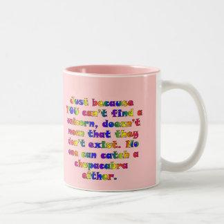 Usted necesita trabajar en sus habilidades de la taza de dos tonos