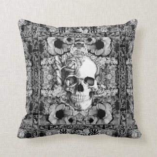 Usted no es aquí cráneo y amapolas adornados almohada