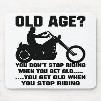 Usted no para el montar cuando usted consigue viej tapete de ratón