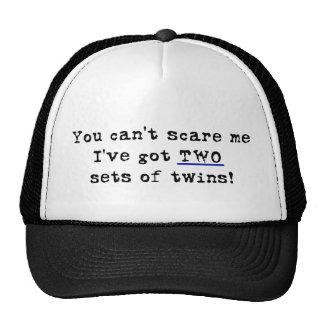 Usted no puede asustarme dos sistemas de gemelos gorros bordados
