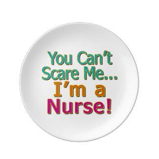 Usted no puede asustarme, oficio de enfermera platos de cerámica
